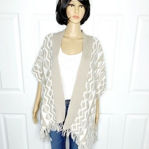 🌸 Comfy OLD NAVY Tribal Print Cotton Poncho Med